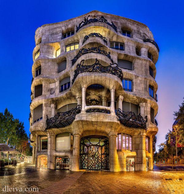 La Pedrera Casa Mila. Barcelona Spain. 1905-10. Antoni Gaudi. Domingo Leiva