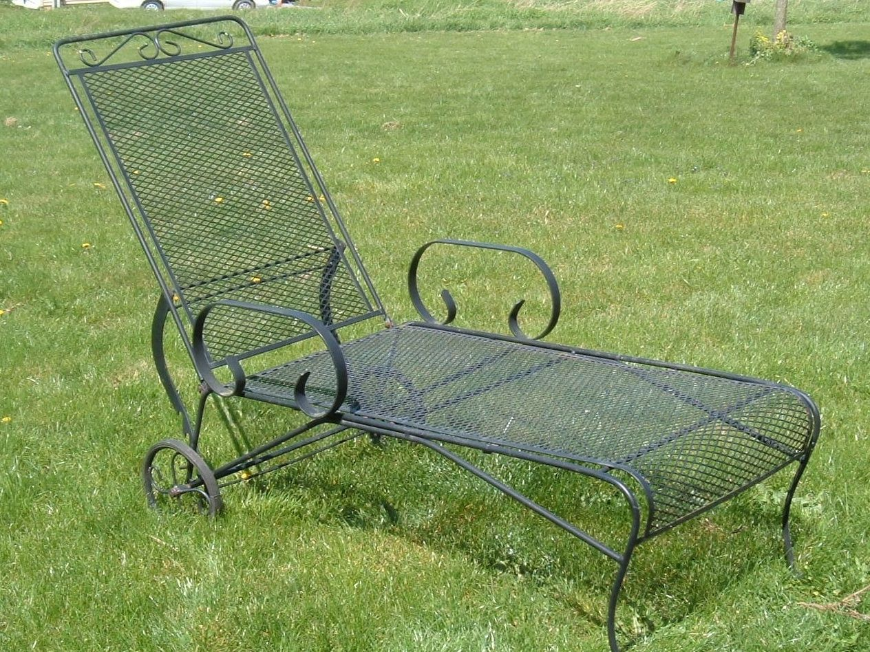 iron chaise lounge chairs what is a side chair vintage woodard metal bouncy