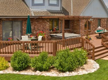 Landscaping Around A Log Home Deck Landscaping Ideas A Lake