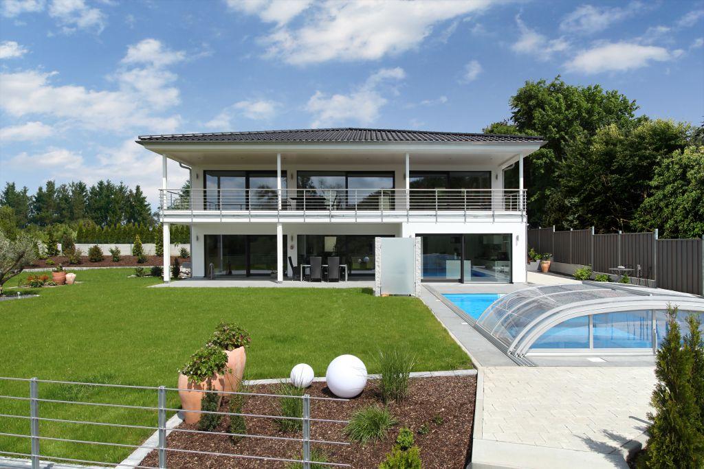 modernes haus mit garten und pool blessfest garten und bauen, Garten und erstellen