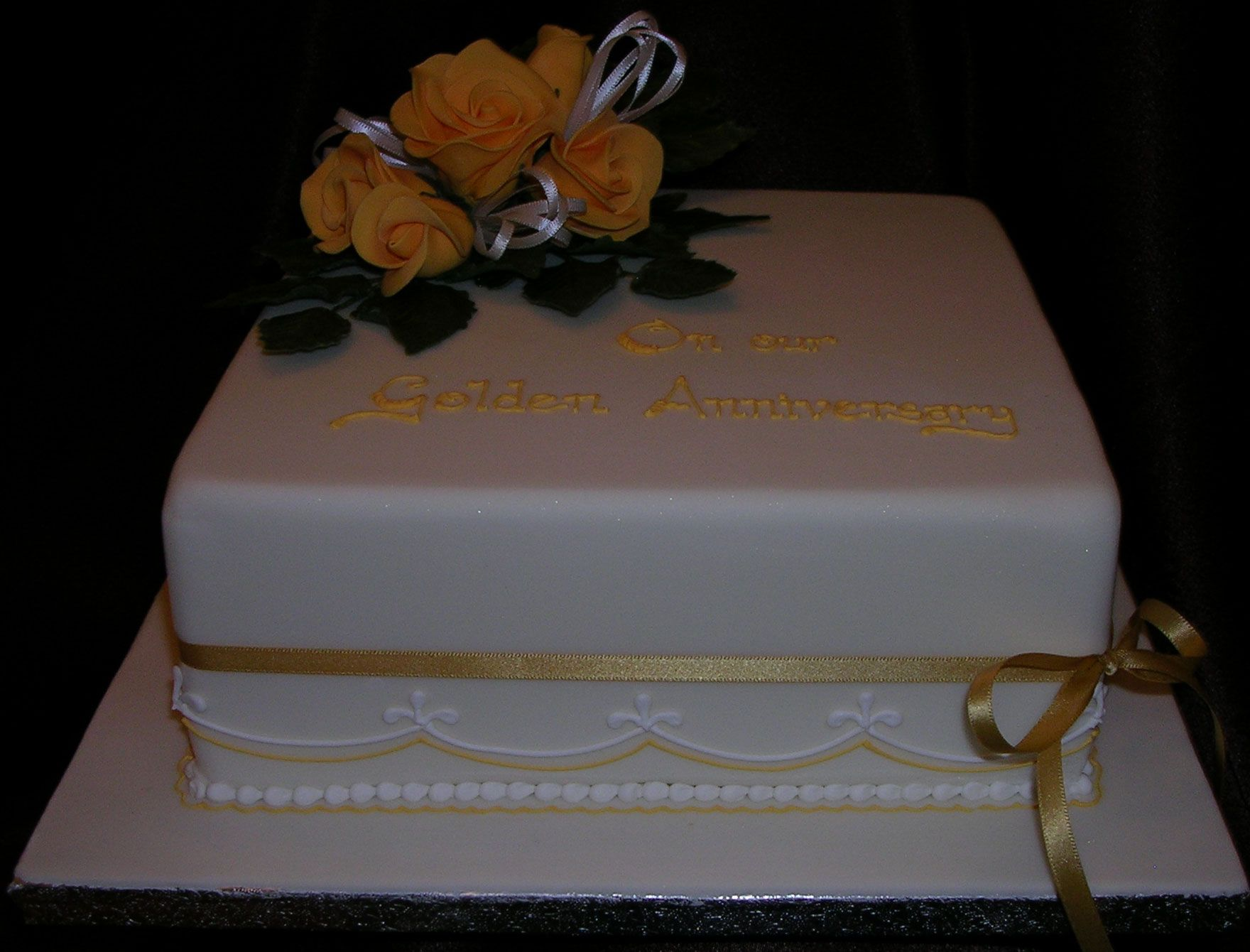 Simple Elegant Anniversary Cakes
