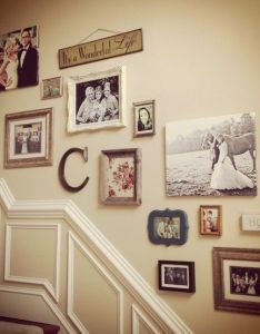 Love the combo of canvas frames phrases fabric really pretty photo display also me parece interesante de todo un poco en las paredes rh pinterest
