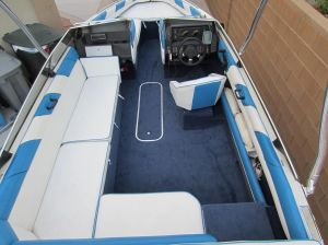 1989 Bayliner capri with live well pics  Google Search | fav boats | Pinterest | Boating and