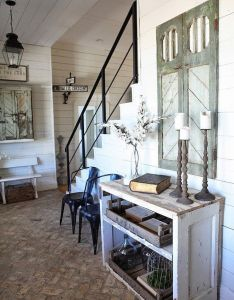 House also texas farmhouse home of chip and joanna gaines crawford rh pinterest
