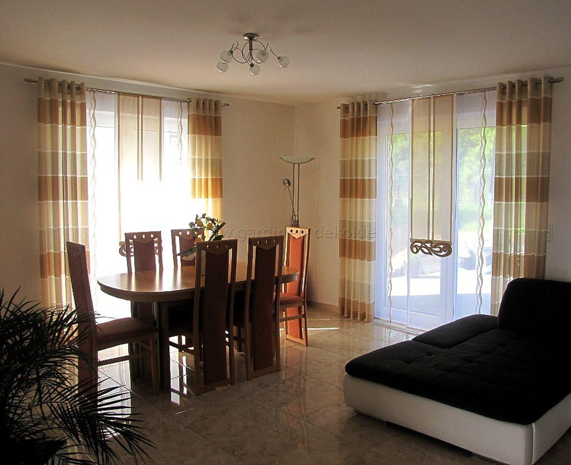 SchiebeGardine frs Wohnzimmer in braun und beige mit Dekoelementen  httpwwwgardinendeko