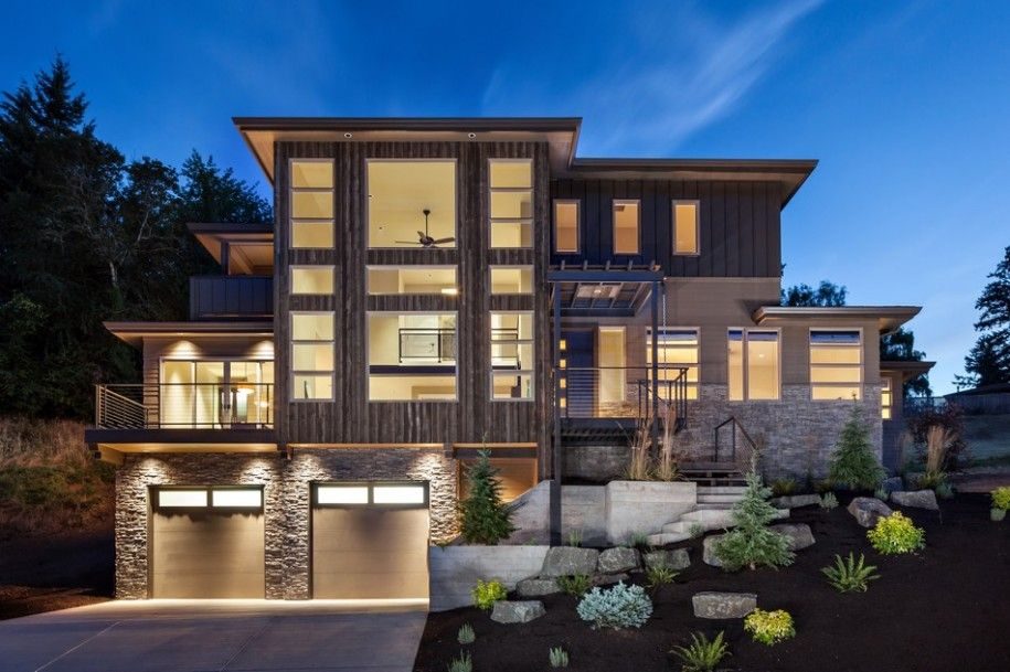 Elegant Multi Level House Maximizing Natural Material Applications