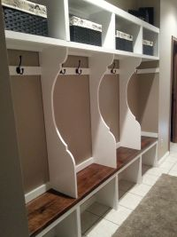 Decor & Tips: Transitional Mudroom Lockers With Bench ...