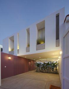 Architects also galeria de casa ave martin dulanto architecture facades rh pinterest