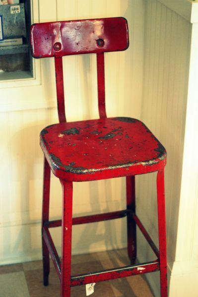 red kitchen stools red+kitchen+stool.jpg (1000×1502) | kitchens | Pinterest