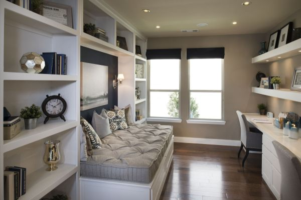 Nook With Comfortable Sophisticated Daybed In