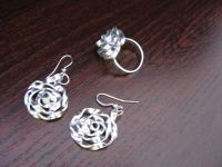 flat aluminium wire, rose ring and earrings