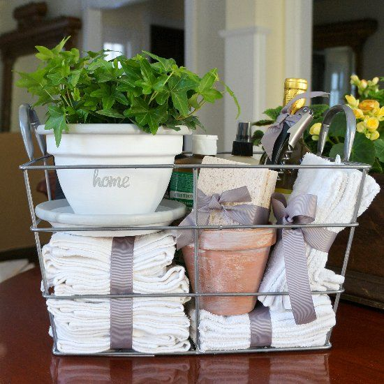 Apartment Warming Gifts For Her Best 25+ Housewarming Gifts Ideas On Pinterest | Diy House