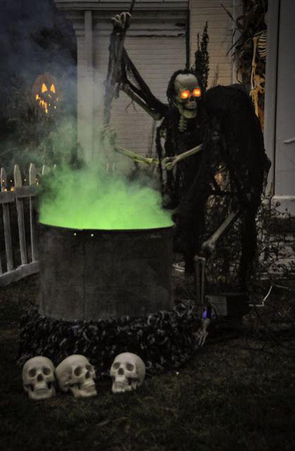 48 CREEPY OUTDOOR HALLOWEEN DECORATION IDEAS Outdoor Halloween