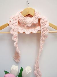 DIY: crocheted skinny scalloped scarf   Craft & DIY ...