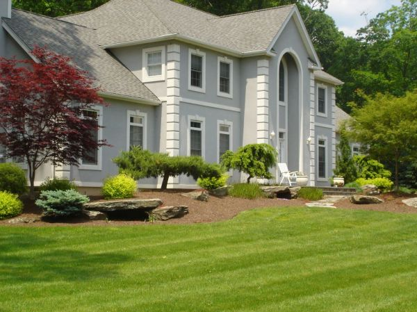 front of house landscape in montebello