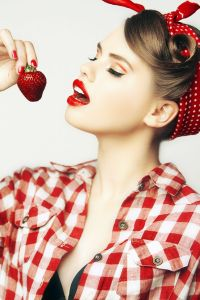 Pinup ? Yes! Check this beautiful photoshoot. Makeup and ...