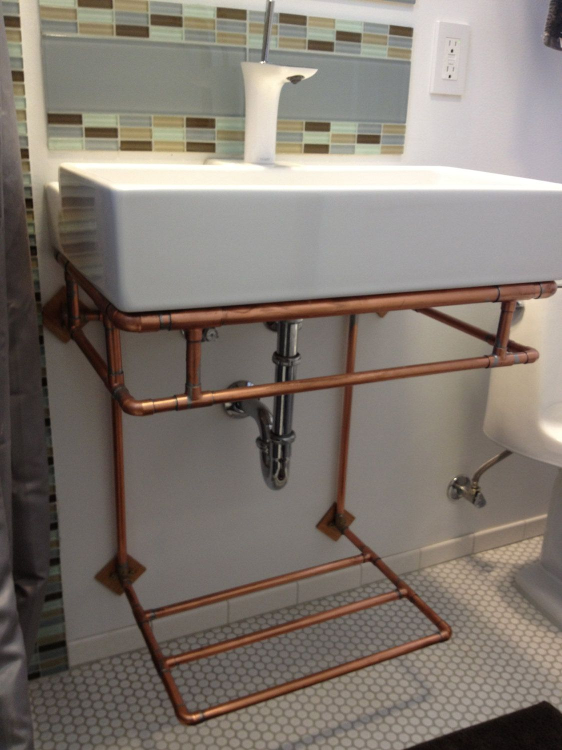 Copper Wall Mounted Bathroom Sink Stand With Towel Rack