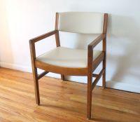 Mid century modern arm chair in eggshell naugahyde ...