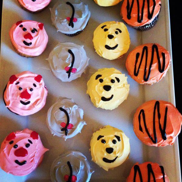 Winnie Pooh Cupcakes. Baby