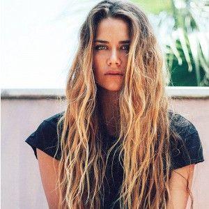 Surfer Girl Hair Google Search Hairstyles Pinterest