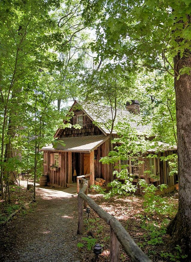 Cabin rentals near Asheville North Carolina in the Blue