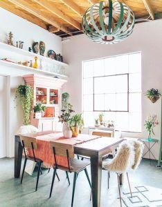 Justina blakeney uses dashes of minty green in her lovely new studio space via west elm also mas de imagenes sobre dream room en pinterest boho sillas  rh es