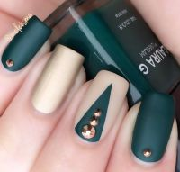 Beautiful green/gold matte nails | Nail Art by me ...