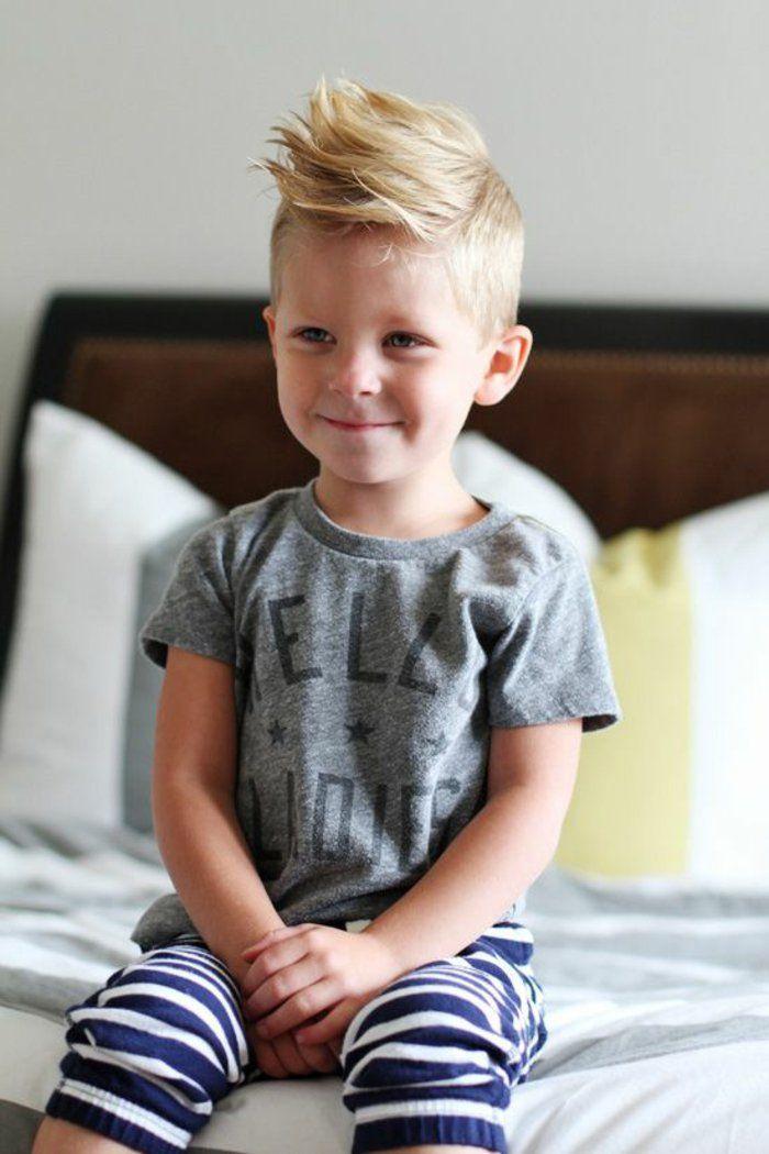 Kinderhaarschnitt Jungen Moderne Frisur Blondes Haar Boy Style