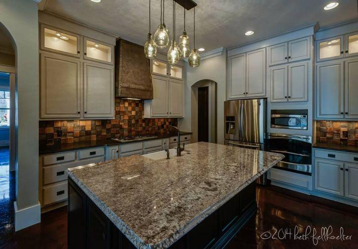 Kitchen Cabinet Kemper Cabinetry Fairbrook Maple Dover Paint With Amaretto Creme Glaze Perimeter