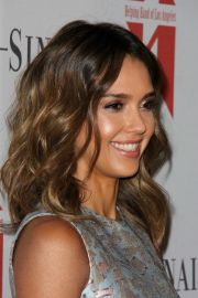 jessica-alba-brunette-ombre-hairstyle-with-waves-summer-2015-2016