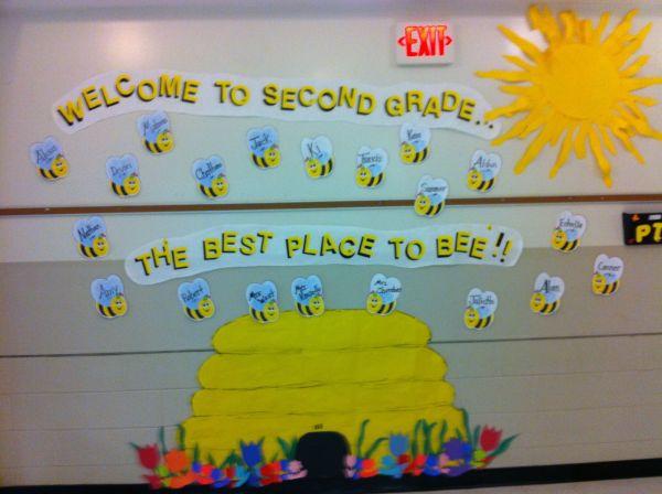 "School ""bee Hive"" Bulletin Board.2nd"