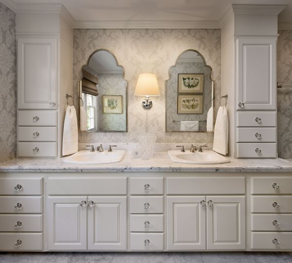 Bathroom Vanity Cabinet with Knobs