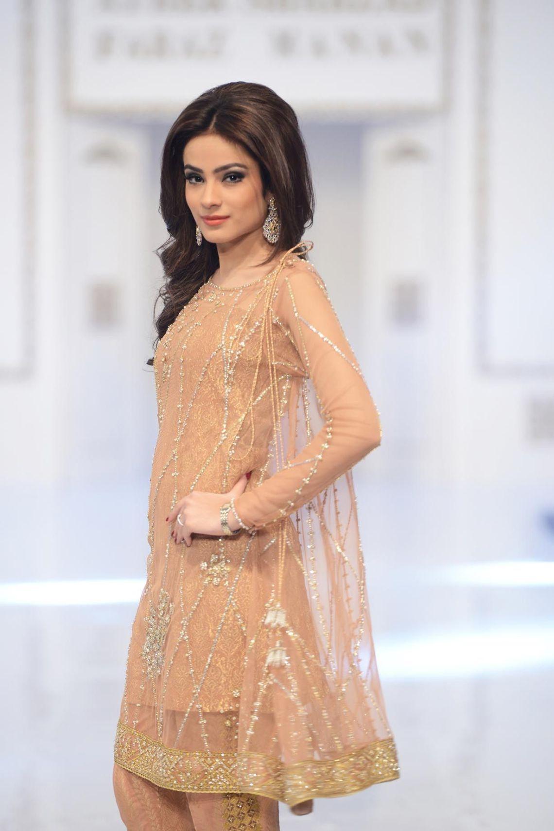 Pakistani casual dress. Designer dress. Beautiful dress ...