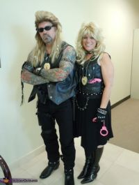 The Bounty Hunter Dog and Beth Chapman Couple Costume ...