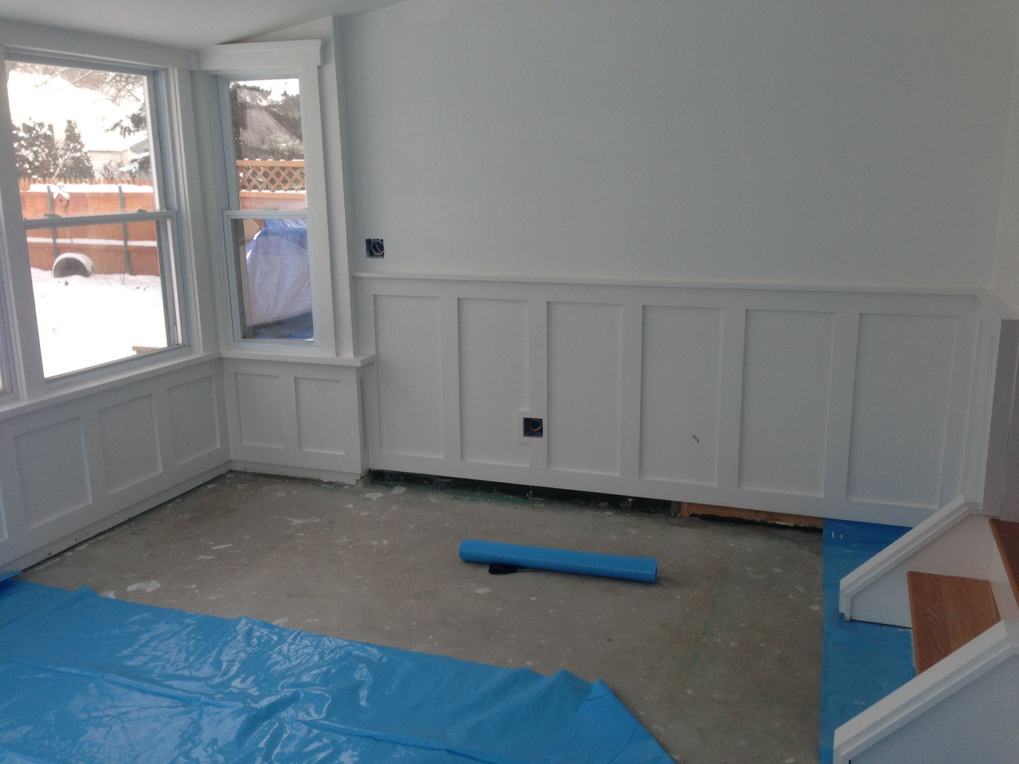 Wainscoting shaker style painted sherwin williams