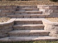 retaining wall stairs | Retaining Wall with Stone Steps ...