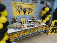 LEGO BATMAN BIRTHDAY PARTY - CAKE/ FAVOR TABLE | ROBBYS ...