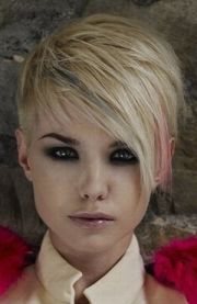 pink short haircuts women