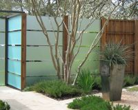 bing cool fence ideas | ... Fence Courtyard Garden Neutral ...