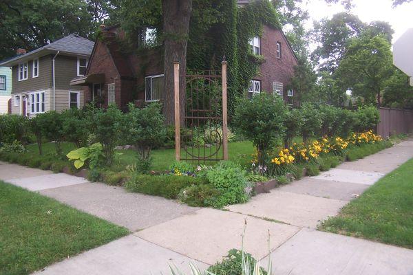 corner property landscaping