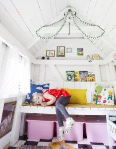 The boo and boy  most gorgeous playhouse also cubby house outside rh pinterest