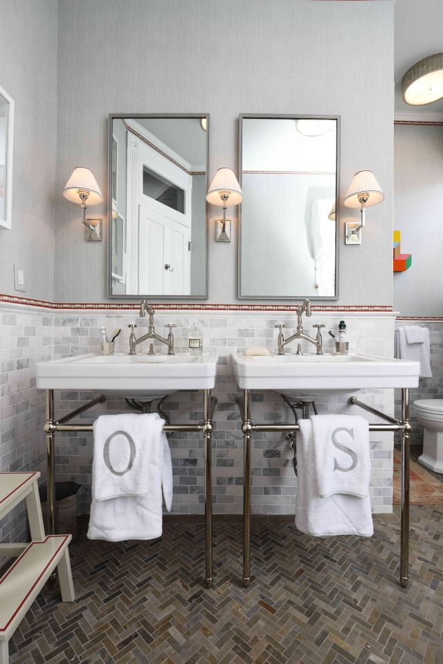 Second Floor Bathroom 2 by Olasky Sinsteden featuring Fitzgerald