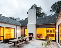 U-shaped Courtyard Home