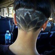 coupe de cheveux ras derriere
