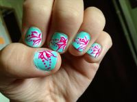Hawaiian flower nail design(: