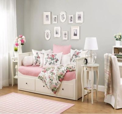 Pip Anyone Have The Ikea Hemnes Daybed With Storage Perfect For Babys Bedroom For When Theyre Ill Cant Sleep Mum Dad Can Sleep In This Day Bed