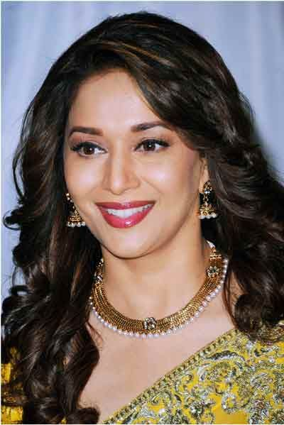 50 Indian Hairstyles For Round Faces Curlss Madhuridixit And