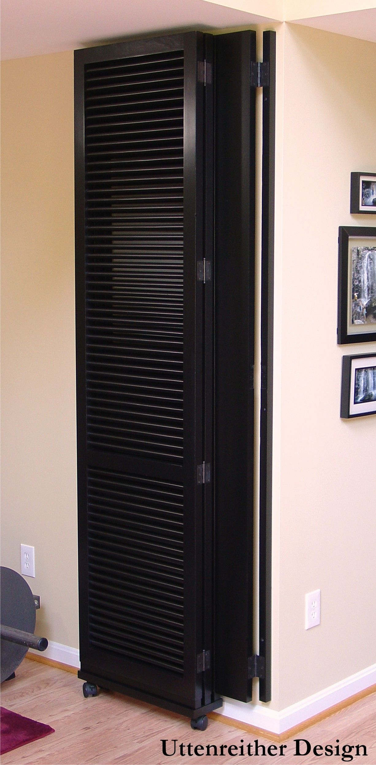 Room divider how to The room divider folds neatly to the