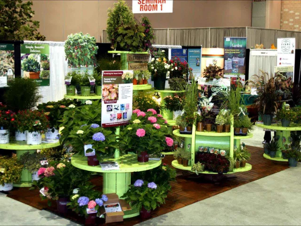 25 Best Ideas About Garden Center Displays On Pinterest