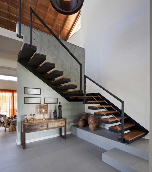 Turn Your Old Staircase Into A Decorative Piece Design Modern